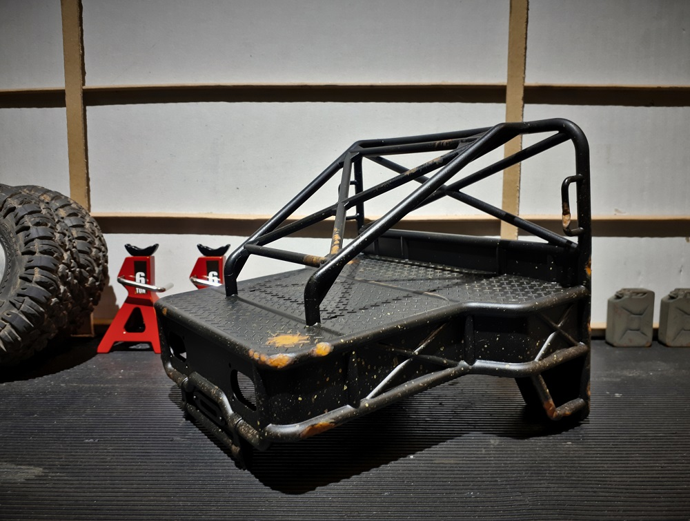 Rear tray-cage damage and weathering .jpg
